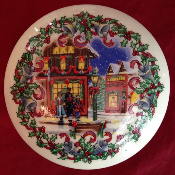 Heritage House Other - Vintage 1992 Heritage Christmas Music Box